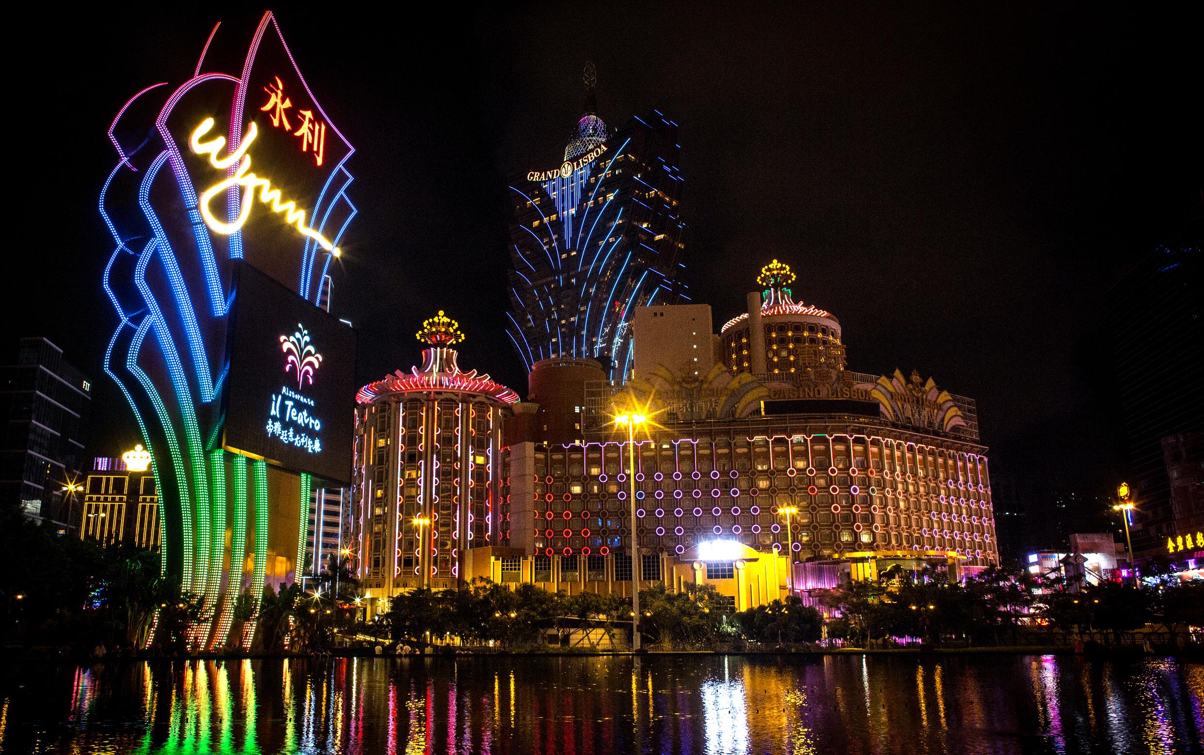 Gambling junket las vegas seven feathers casino canyonville