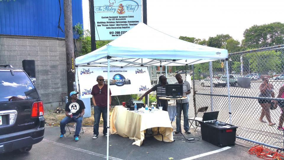DJ Jean Rubens of Bel Muzik FM on the turntable at Le Foyeru0027s 40th Anniversary earlier this year. : scif tent - memphite.com